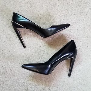DOLCE VITA black accent pointed toe pumps NEW